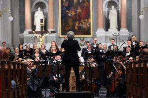 Transmisja na żywo Requiem w Warszawie